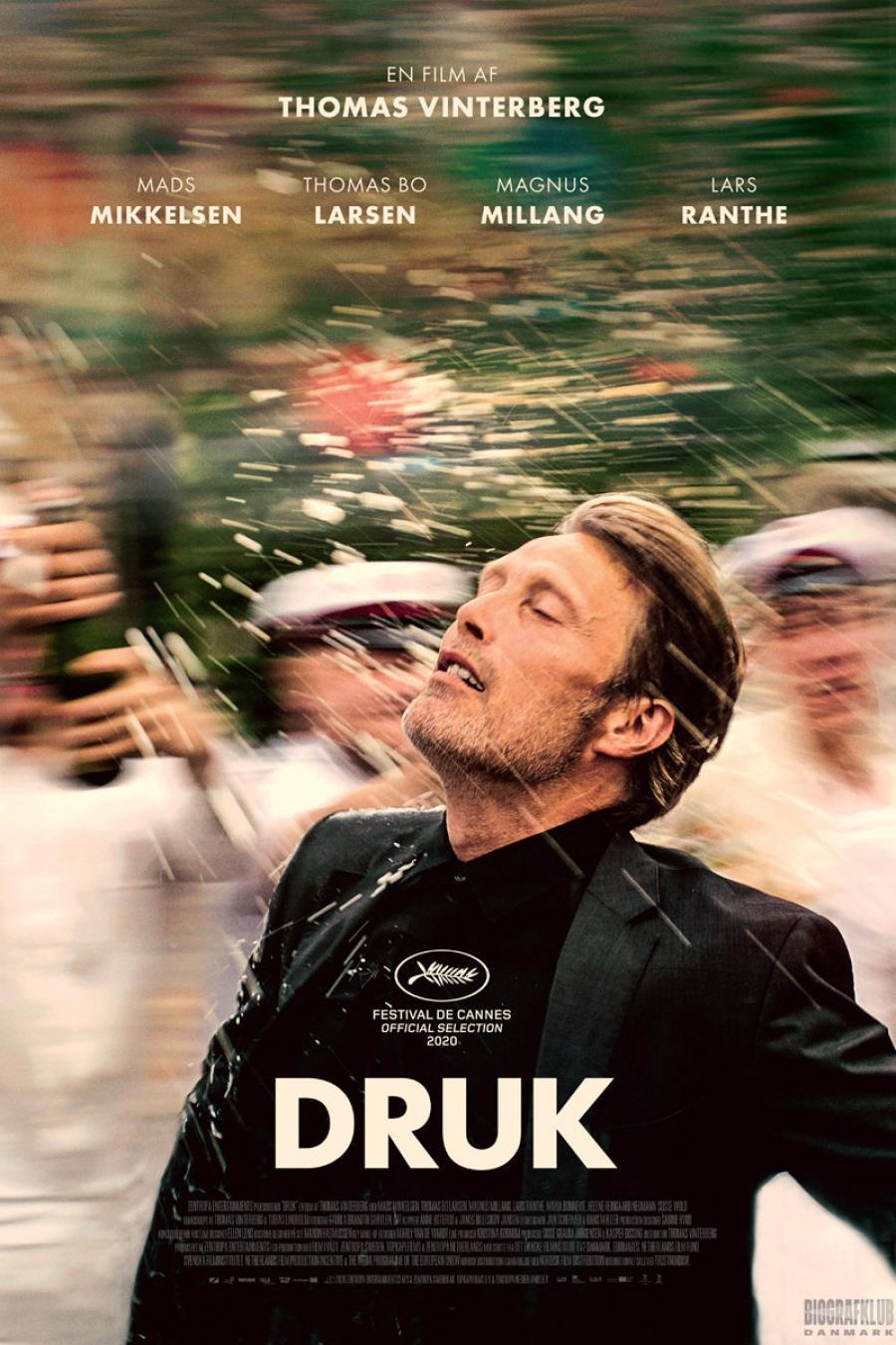 Still fra filmen 'Druk' med Mads Mikkelsen i forgrunden